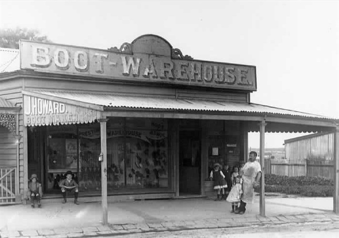 Image - photo - Howard's boot store has since been demolished.[PHS]