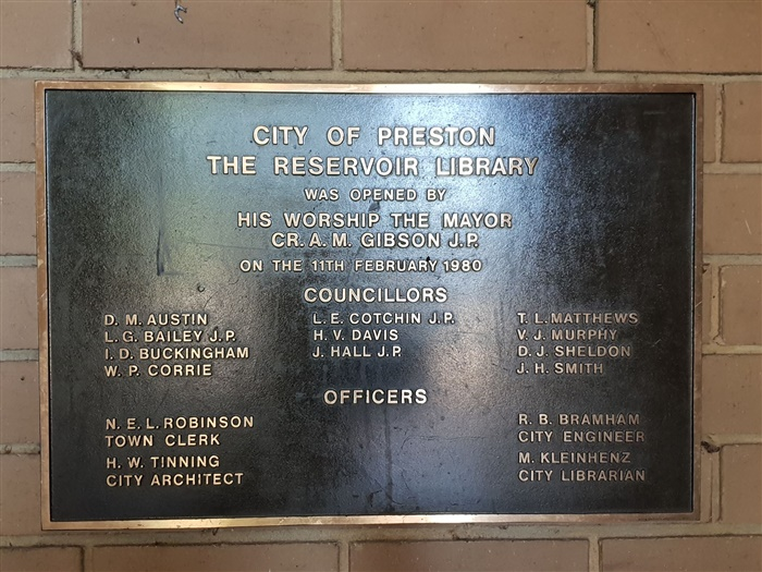 Image of the Plaque of the Ralph Street Library