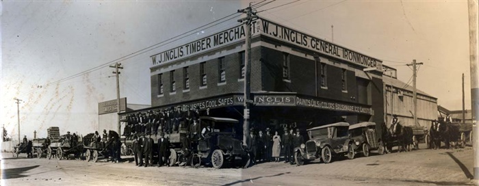 Image - photo - Horse and cart and trucks in the 1920s - Inglis Timber Merchant, Plenty Road, Preston