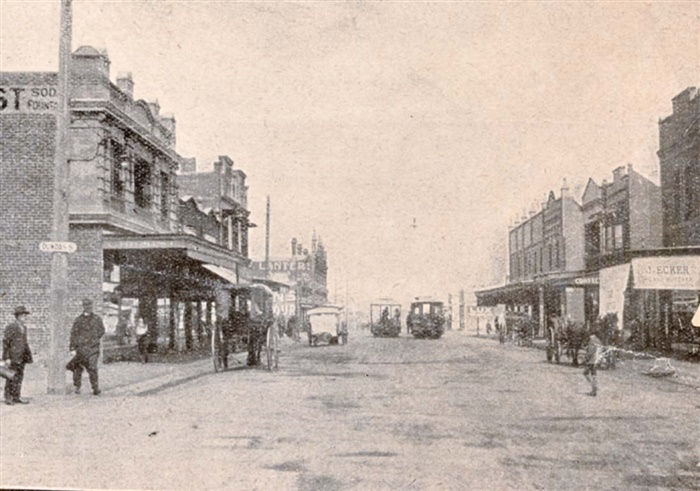 image - photo - High Street Thornbury around 1926. The wine bar is half way down the block on the left.