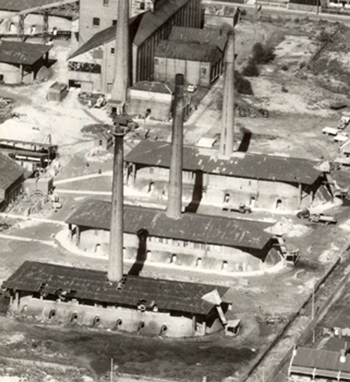 Image - Photo. A view looking  over the Northcote Brickworks, 1957